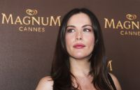 Celebrities Wonder 88794350_liv-tyler-magnum-cannes_7.JPG