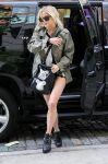 Celebrities Wonder 89482183_ashlee-simpson-short-shorts_3.jpg