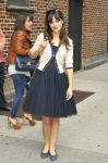 Celebrities Wonder 94354049_zooey-deschanel-letterman_1.jpg