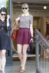 Celebrities Wonder 99023687_taylor-swift-shopping_1.jpg