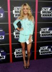 Celebrities Wonder 12633409_2013-cmt-music-awards_Carrie Underwood 1.jpg