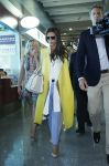 Celebrities Wonder 20459436_victoria-beckham-airport_2.jpg