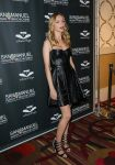 Celebrities Wonder 26397877_heather-graham-Celebrity-Charity-Poker-Tournament_4.jpg
