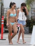 Celebrities Wonder 26441192_selena-gomez-beach_7.jpg