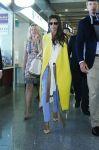 Celebrities Wonder 35747501_victoria-beckham-airport_1.jpg