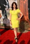 Celebrities Wonder 36018351_The-Lone-Ranger-premiere-in-Anaheim_Bellamy Young.jpg