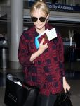 Celebrities Wonder 42769986_carey-mulligan-At-LAX-Airport_4.jpg