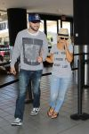 Celebrities Wonder 45583408_christina-aguilera-lax-airport_2.jpg