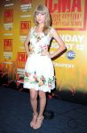 Celebrities Wonder 46743176_taylor-swift-2013-CMA-Music-Festival-Nightly-Press-Conference_2.jpg