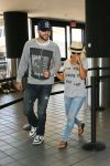 Celebrities Wonder 49139590_christina-aguilera-lax-airport_1.jpg