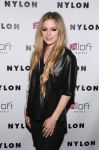 Celebrities Wonder 53161085_avril-lavigne-Celebrating-her-Nylon-Magazine-cover_4.jpg