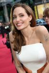 Celebrities Wonder 56766610_angelina-jolie-world-war-z-berlin_6.jpg