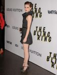 Celebrities Wonder 59708698_emma-watson-The-Bling-Ring-premiere-LA_3.jpg