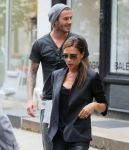 Celebrities Wonder 70986168_Victoria-david-beckham-shopping_5.jpg