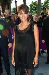 Celebrities Wonder 7536567_pregnant-halle-berry-Toiles-Enchantees-Party_4.jpg