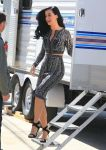 Celebrities Wonder 76930126_katy-perry-on-set_2.jpg