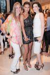 Celebrities Wonder 80067210_adriana-lima-VC-Signature-Flagship-Store-Opening_4.5.jpg
