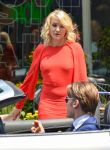 Celebrities Wonder 80233762_cameron-diaz-filming-the-other-woman_5.jpg