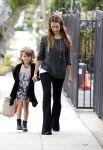 Celebrities Wonder 90699415_jessica-alba-with-her-daughter-honor_1.jpg