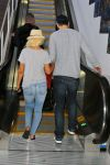 Celebrities Wonder 97030804_christina-aguilera-lax-airport_4.jpg