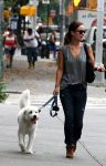 Celebrities Wonder 10383038_olivia-wilde-walking-her-dog_4.jpg