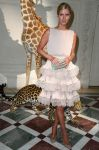 Celebrities Wonder 15859706_nicky-hilton-valentino-couture_2.jpg