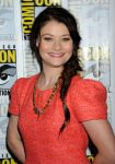 Celebrities Wonder 15866505_Once-Upon-a-Time-panel-during-2013-Comic-Con_Emilie de Ravin 4.JPG