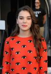 Celebrities Wonder 16949610_hailee-steinfeld-Enders-Game-Experience_5.jpg