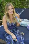 Celebrities Wonder 18553014_hilary-duff-FIJI-Water-Days-of-Summer_7.jpg