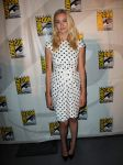 Celebrities Wonder 19170281_dexter-comic-con-2013_Yvonne Strahovski 1.jpg