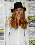 Celebrities Wonder 27145086_Divergent-press-line-at-Comic-Con_4.jpg