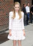 Celebrities Wonder 27694235_amanda-seyfried-letterman_7.jpg