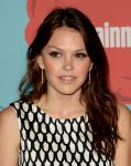 Celebrities Wonder 2912444_2013-Entertainment-Weekly-Comic-Con-Party_Aimee Teegarden 2.jpg