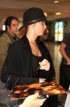 Celebrities Wonder 30047603_jennifer-lawrence-Pierre-Elliott-Trudeau-Airport_4.jpg