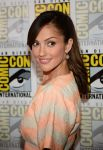 Celebrities Wonder 32285178_minka-kelly-almost-human-comic-con_4.jpg
