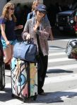 Celebrities Wonder 32449155_rachel-bilson-lax-airport_1.jpg
