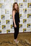 Celebrities Wonder 32492489_Captain-America-The-Winter-Soldier-2013-Comic-Con_Emily VanCamp 2.jpg