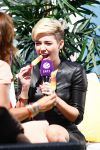 Celebrities Wonder 32555165_miley-cyrus-tv-show_10.jpg