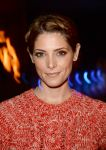 Celebrities Wonder 32566785_bruno-mars-concert_Ashley Greene 4.jpg