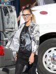 Celebrities Wonder 33486905_jessica-alba-on-the-set-of-Stretch_4.jpg