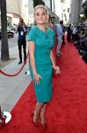 Celebrities Wonder 33640469_blue-jasmine-los-angeles-premiere_Amanda Michalka 1.jpg