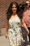 Celebrities Wonder 35187629_salma-hayek-Late-Show-with-David-Letterman_8.jpg