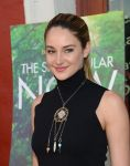 Celebrities Wonder 40680451_shailene-woodley-The-Spectacular-Now-screening_7.jpg