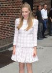 Celebrities Wonder 45378458_amanda-seyfried-letterman_8.jpg