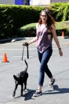Celebrities Wonder 48004781_kristen-stewart-dog_1.jpg