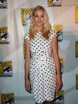 Celebrities Wonder 4960304_dexter-comic-con-2013_Yvonne Strahovski 2.jpg