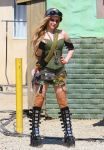 Celebrities Wonder 51555202_avril-lavigne-filming-her-video_6.jpg