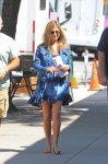 Celebrities Wonder 53660311_jennifer-aniston-on the-set-of-Squirrels-to-the-Nuts_1.jpg