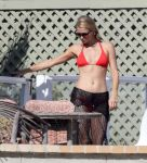 Celebrities Wonder 55018778_paris-hilton-red-bikini_7.jpg