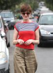 Celebrities Wonder 61600200_anne-hathaway-in-hollywood_5.jpg